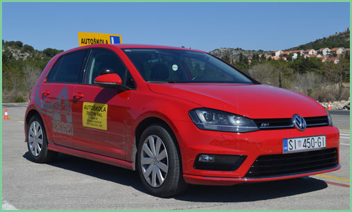 vw-golf7-crveni